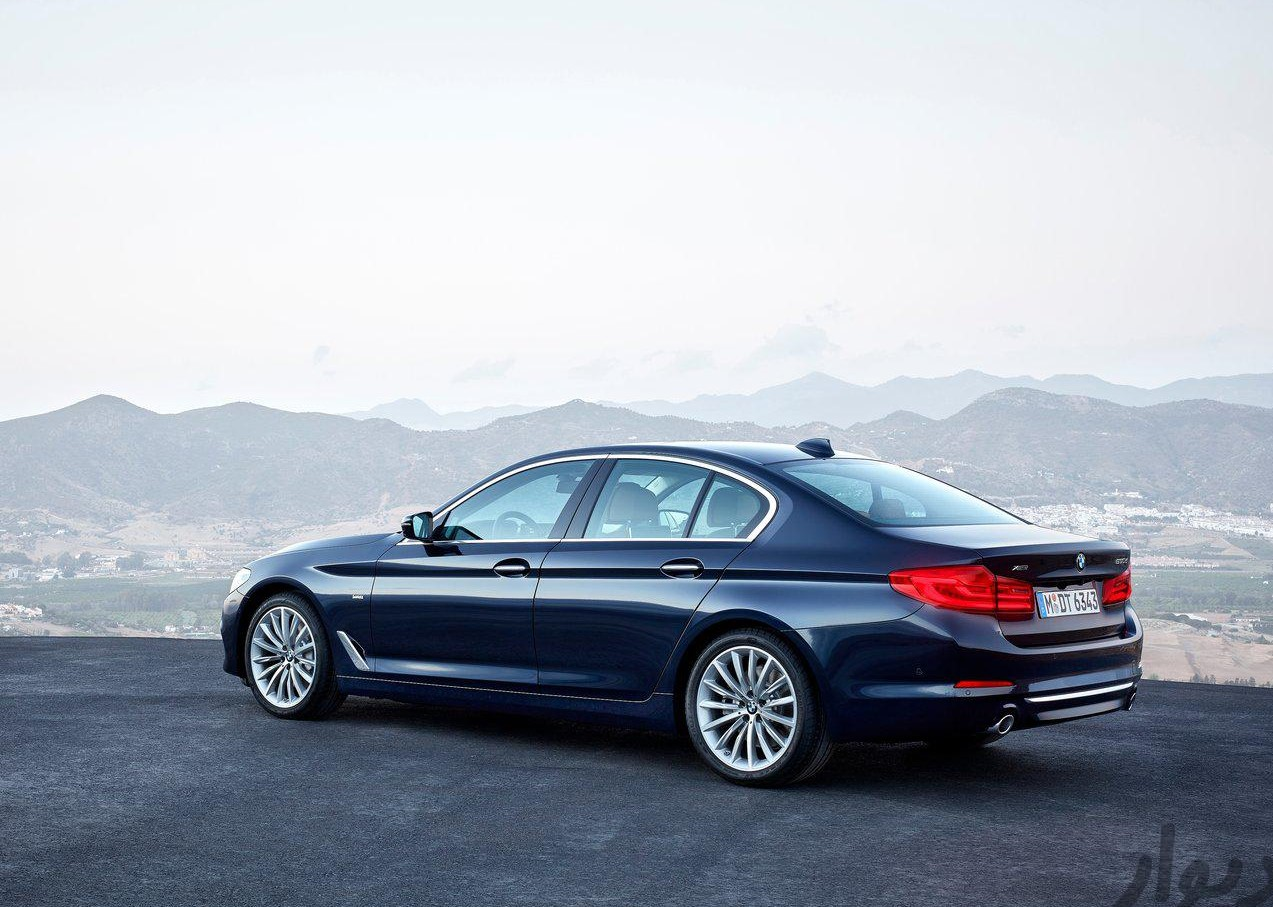 مشخصات BMW 5 Series Sedan