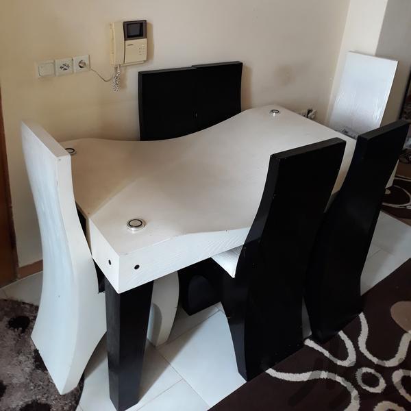 فروش میز نهارخوری ۶ نفره (لاهیجان)|میز و صندلی|رشت|دیوار