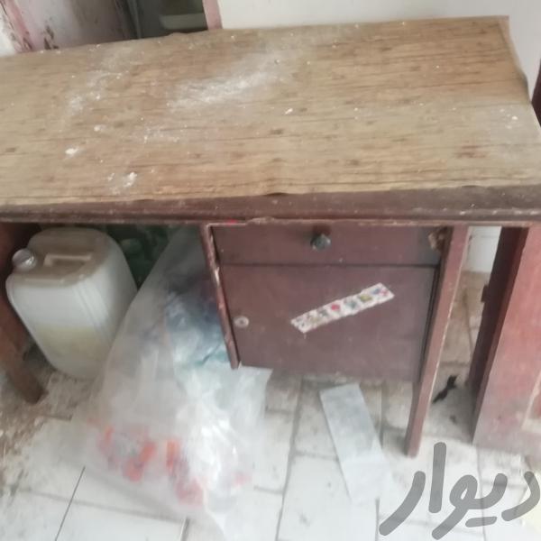 میز تحریر ومیز کار هر و باهم|میز و صندلی|نیشابور|دیوار