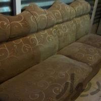 یک دست مبل طلایی هفت نفره +میز فرفورژه شیشه دار|مبلمان و صندلی راحتی|کرمان|دیوار