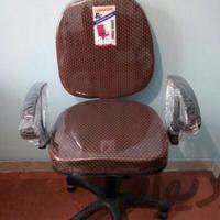 صندلی گردان|میز و صندلی|همدان|دیوار