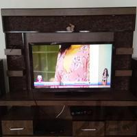 میز تلویزیون با تلویزیون تلویزیون و پروژکتور کرج_شهرک وحدت دیوار